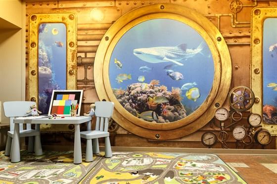 Ресторан Ротонда - фотография 14 - Детская зона в кафе Ротонда удобно расположена отдельно от основных залов, чтобы маленькие посетители могли комфортно заняться своими интересами