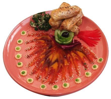 """Ресторан Джаганнат - фотография 11 - Вьетнамские пирожки """"Ханой"""" (1/150/50)  Цена: 270 руб.   Обжареные соево-овощные крокеты в рисовой бумаге с бенгальским соусом (манго и финики с тамариндом)."""