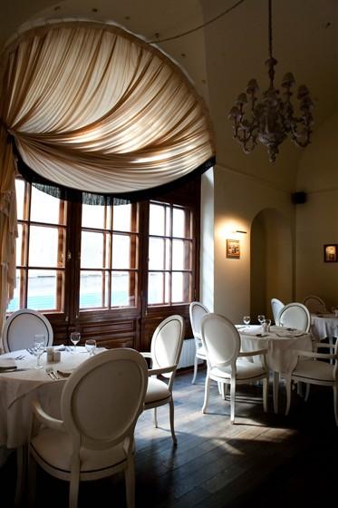Ресторан Castle White - фотография 1