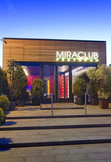 Ресторан Miraclub - фотография 10 - фасад