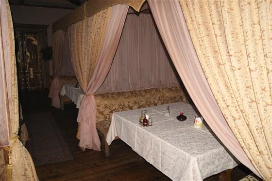 Ресторан Орлов - фотография 1 - Шатры для тихих бесед под вкусные кальяны