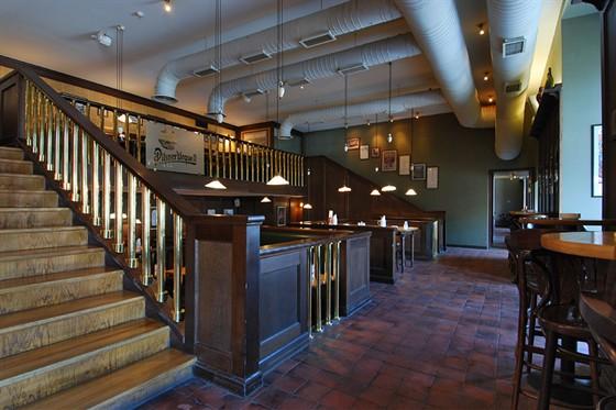 Ресторан Пилзнер - фотография 12 - Интерьер
