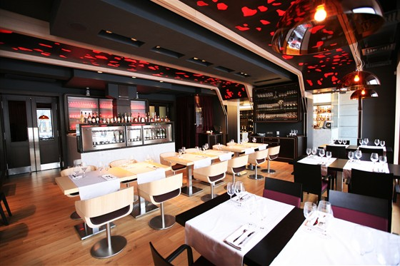 Ресторан Simple Wine Bar - фотография 16