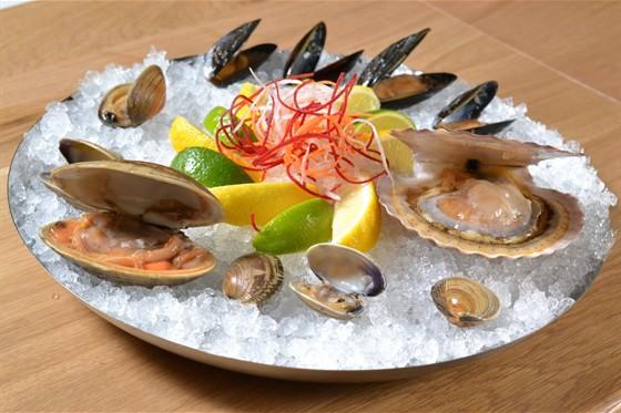 Ресторан Clumba Club - фотография 11 - Плато морепродуктов на льду.