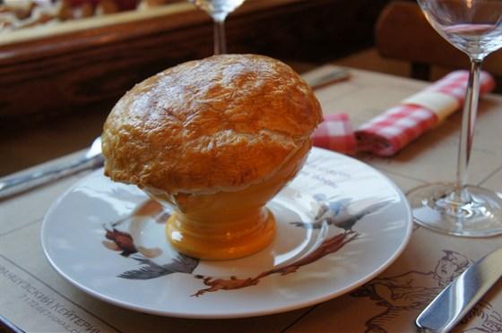 Ресторан Garçon - фотография 1 - Швейцарская закуска с улитками и лисичками