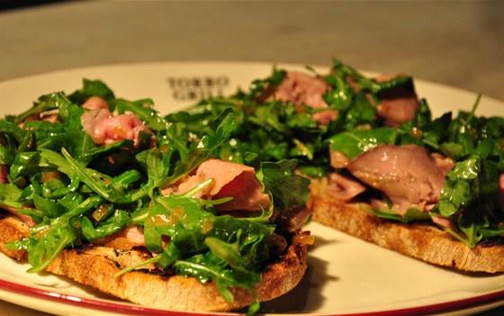 Ресторан Torro Grill - фотография 9 - Брускетта с ростбифом!