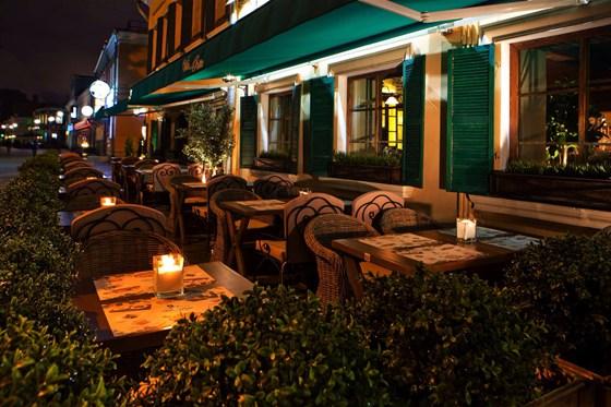 Ресторан Villa della pasta - фотография 8 - Тосканская романтика летней веранды Villa della Pasta