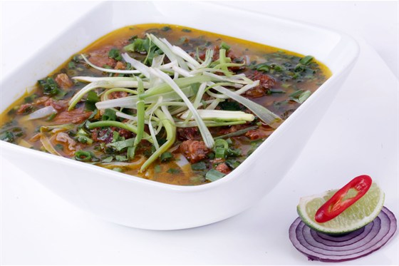 Ресторан Золотой бамбук - фотография 34 - ФО ШОТ ВАНГ Рисовая лапша с тушеной говядиной в душистых специях.