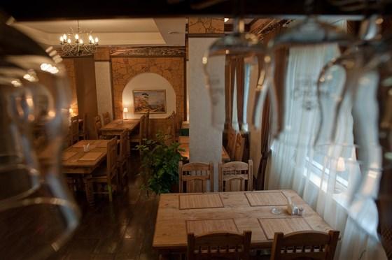 Ресторан Лестница - фотография 2 - Основной зал