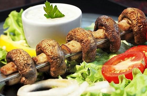 Ресторан Черемушка  - фотография 8 - Шампиньоны на углях