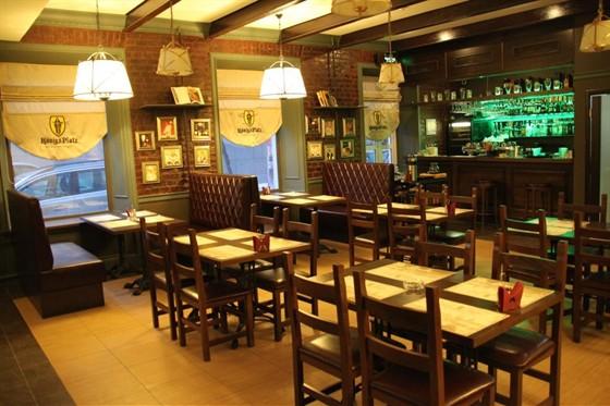 Ресторан Königs Platz  - фотография 4 - Классический Гастропаб