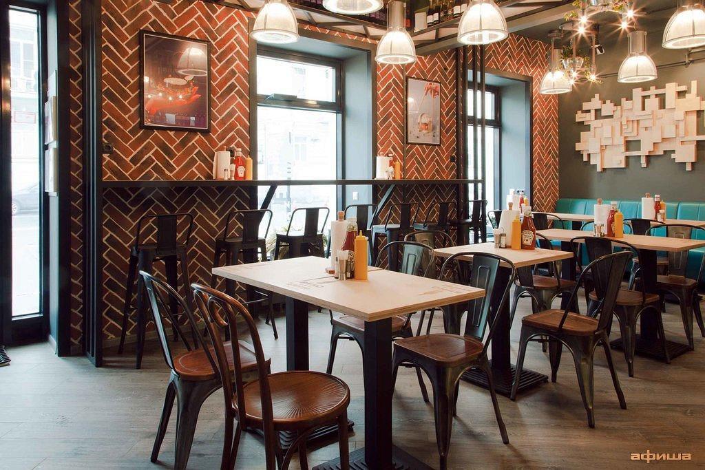 Ресторан Вино и бургер - фотография 26