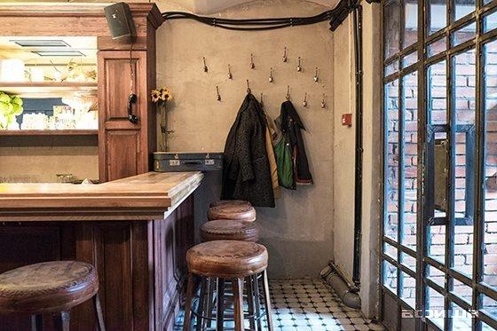 Ресторан Петров и Васечка - фотография 9
