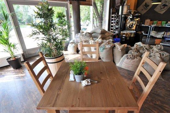 Ресторан Фабрика кофе - фотография 1