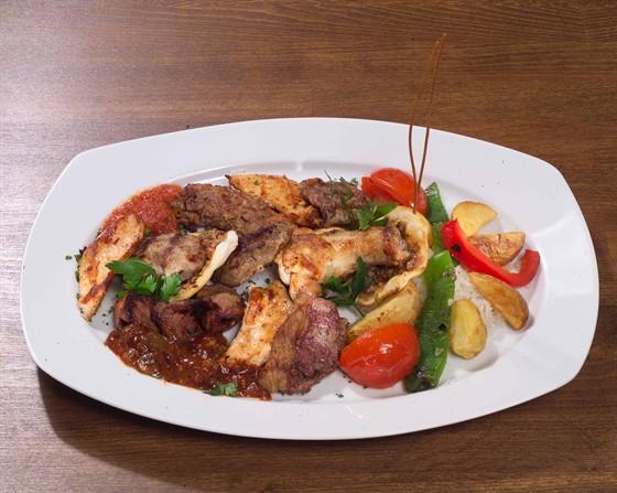 Ресторан Паша-кебаб - фотография 5 - Паша Кебаб спешиал