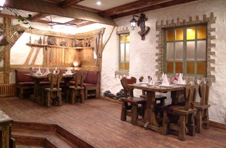 Ресторан Кучер - фотография 3 - Стол №4