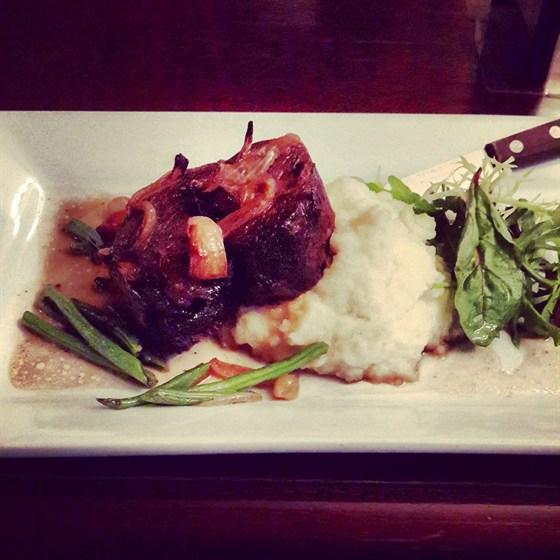 Ресторан Английское посольство - фотография 1 - Запечёная баранина.