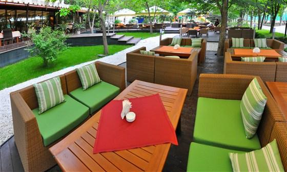 Ресторан Tennispark - фотография 4 - Летняя терраса