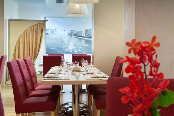 Ресторан Ардженто - фотография 8 - Кафе Ардженто Зона ресторана