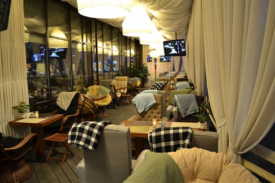 Ресторан Quattro camini - фотография 9 - Летняя веранда