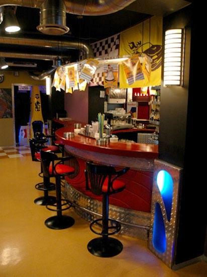 Ресторан 1000 миль - фотография 5 - бар в малом зале