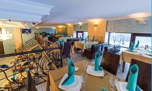Ресторан Аквариум - фотография 12 - Столики на балконе.