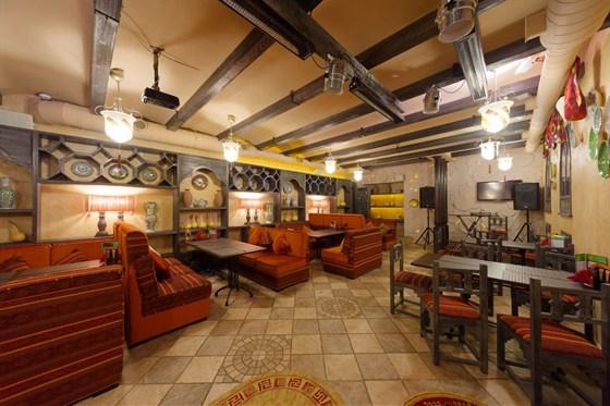 Ресторан Долина - фотография 1 - Курящая зона, зона живой музыки и бара
