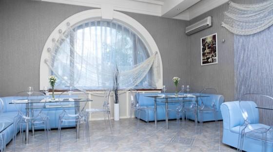 Ресторан Колесо времени - фотография 10 - Малый зал с караоке на 20 персон