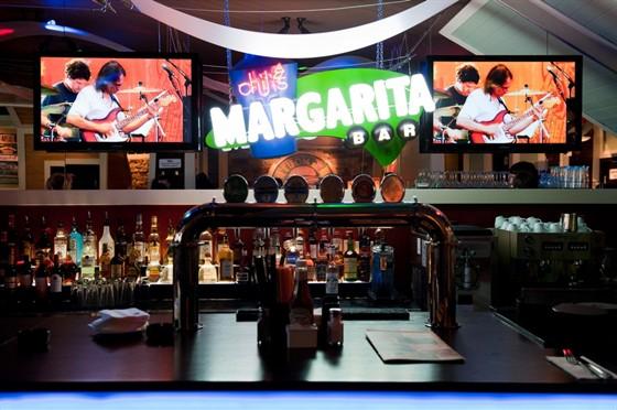 """Ресторан Chili's - фотография 14 - В Margarita Bar вы сможете попробовать не только различные вариации знаменитого коктейля """"Маргарита"""", но и другие алкогольные напитки"""