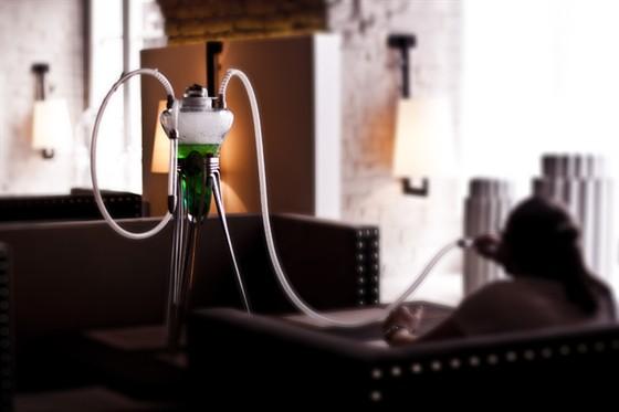 Ресторан Graf-in - фотография 24 - Уникальная гастрономическая услуга от Art Smoke, курение кальянов из богемского стекла на специальных кальянных смесях с абсентом, тархуном и даже мармеладом.