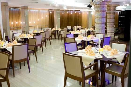 Ресторан Золото FM - фотография 2 - основной зал