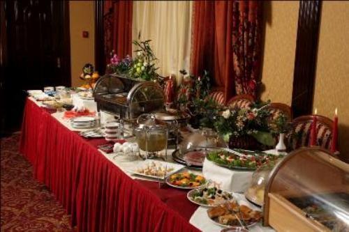 """Ресторан Славянка - фотография 2 - Завтрак """"Шведский стол"""""""