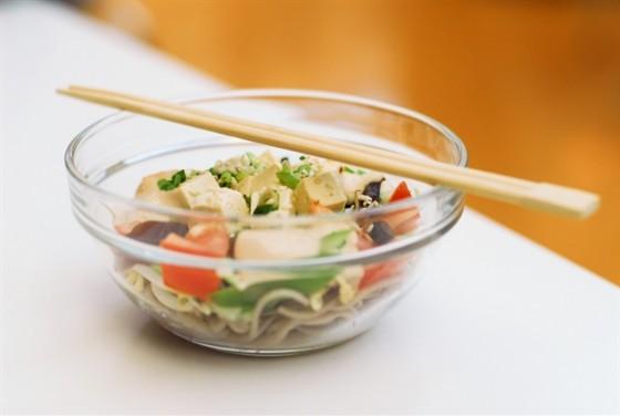 Ресторан Воккер - фотография 15 - Салат с говядиной и грибами  шиитаке, 160,–