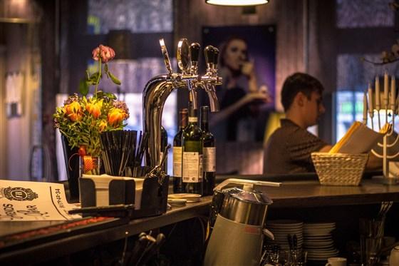 Ресторан Friends Bar - фотография 7