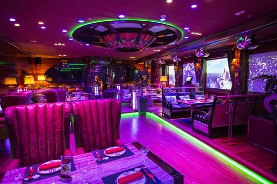 Ресторан Лодка - фотография 36 - Основной зал