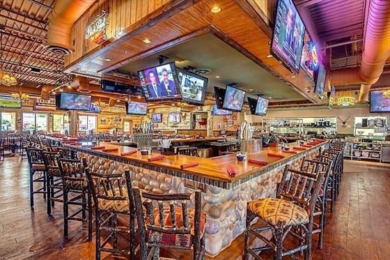 Ресторан Twin Peaks - фотография 1