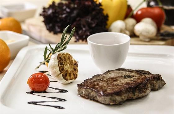Ресторан La familia - фотография 55 - Сочный стейк Рибай