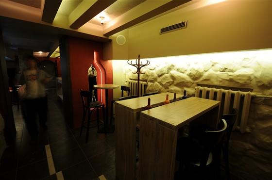Ресторан Виносыр - фотография 4 - первый зал - малый (ресторан)