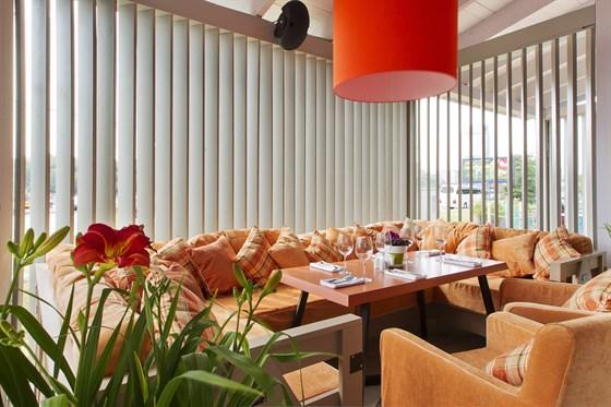 Ресторан Vinograd - фотография 1 - внутриний интерьер