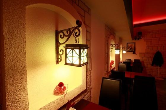 Ресторан Золотой телец - фотография 5 - Красный зал