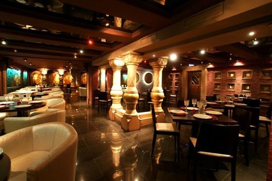 Ресторан Тройка - фотография 7 - Малый зал