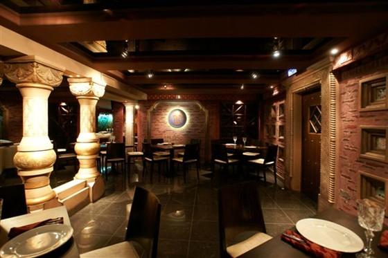 Ресторан Тройка - фотография 10 - Малый зал