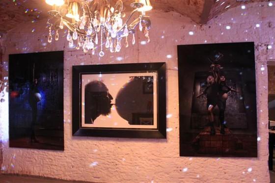 Ресторан Ла тайфас - фотография 7 - выставка Вадима Гринберга!
