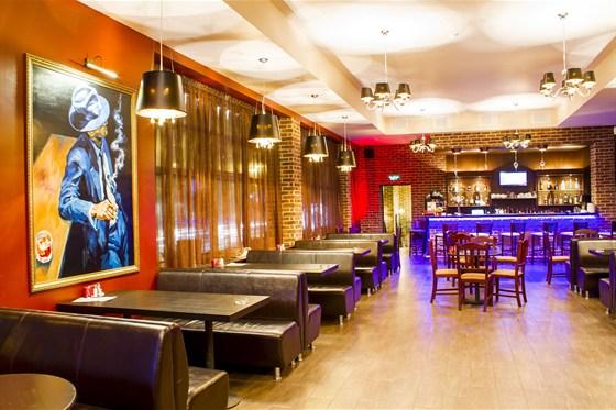 Ресторан Сухой закон - фотография 8 - Верхний зал
