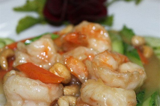 Ресторан Норд стар - фотография 8 - Королевские креветки с овощами