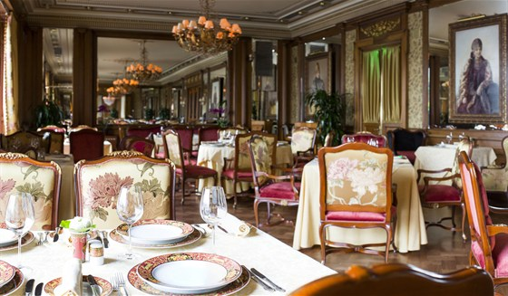 Ресторан Пьяцца Росса - фотография 1 - Интерьер Пьяцца Росса.