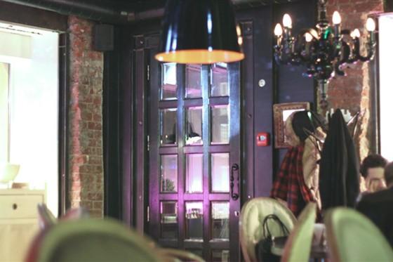 Ресторан Бурый лис и ленивый пес - фотография 10 - Интерьер ресторана Бурый Лис и Ленивый Пес