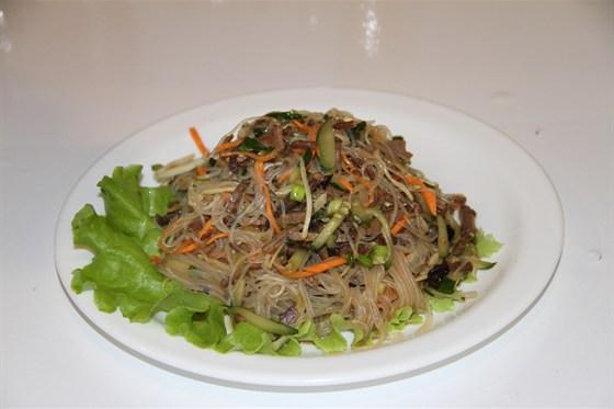 """Ресторан Алтаргана - фотография 5 - Салат  китайской кухни """"Домашний"""""""
