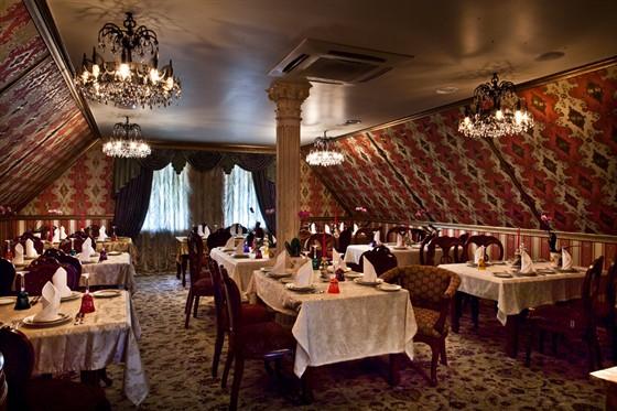Ресторан Gotinaza - фотография 7 - Верхний зал