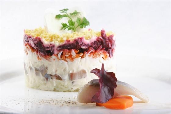 Ресторан Павильон - фотография 18 - Селедка по шубой